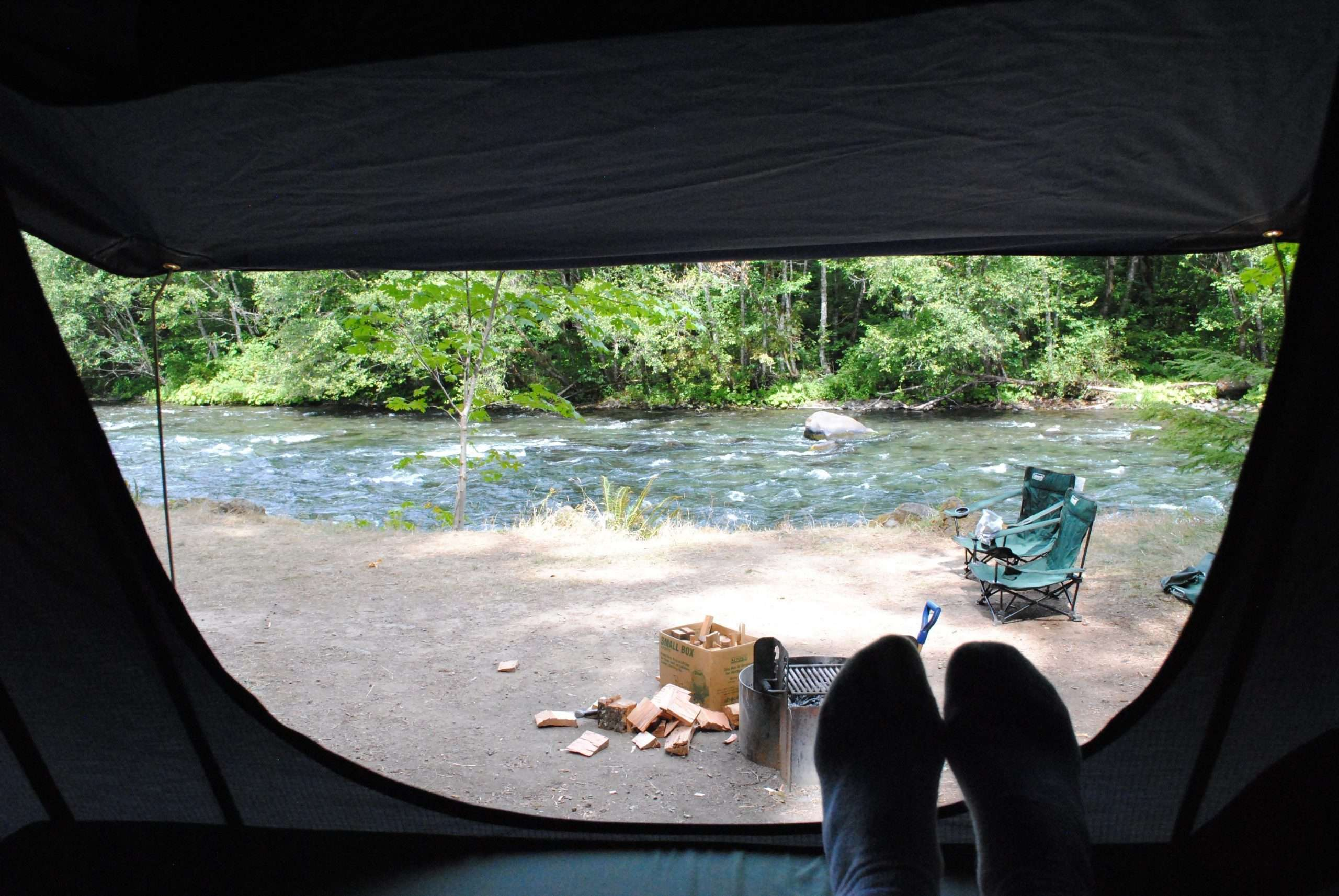 Jeep Trailer camping at mckenzie river