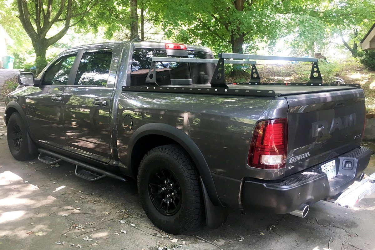 Pickup bed racks
